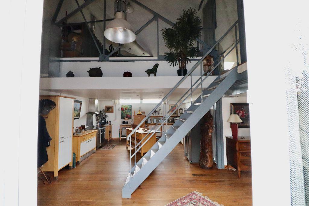 Appartement à vendre 4 180m2 à Meaux vignette-2