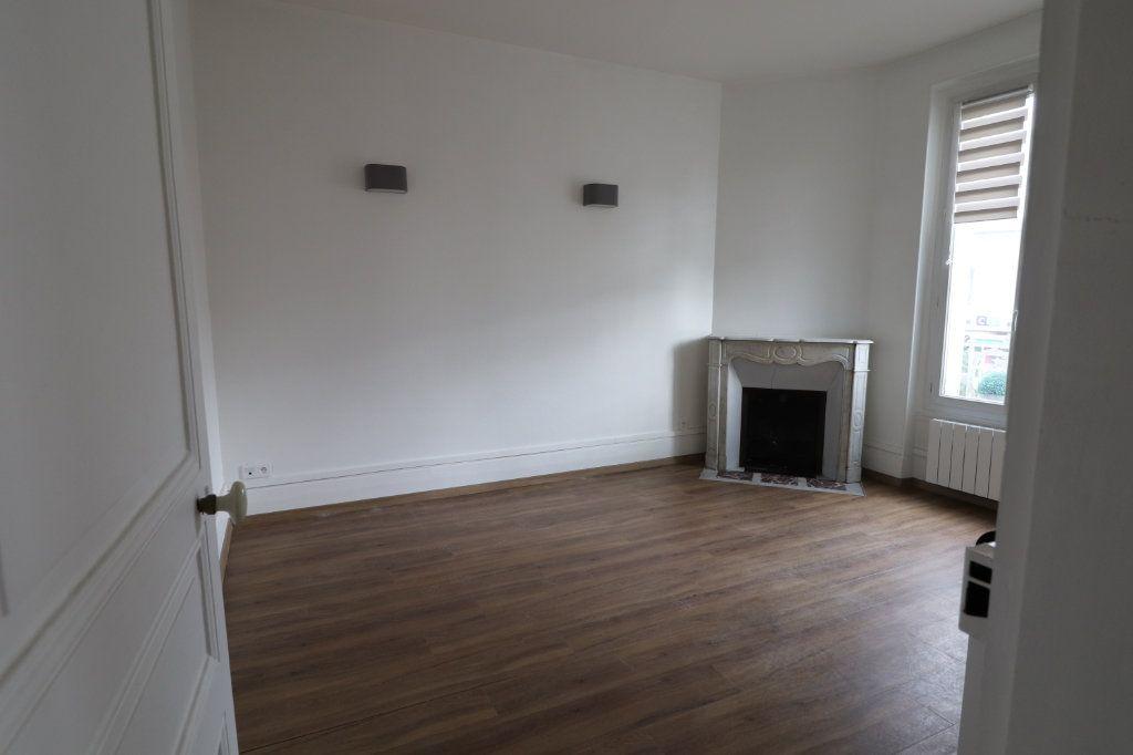 Appartement à louer 2 53.07m2 à Meaux vignette-1