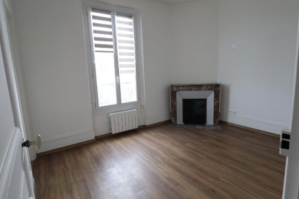 Appartement à louer 2 53.07m2 à Meaux vignette-3