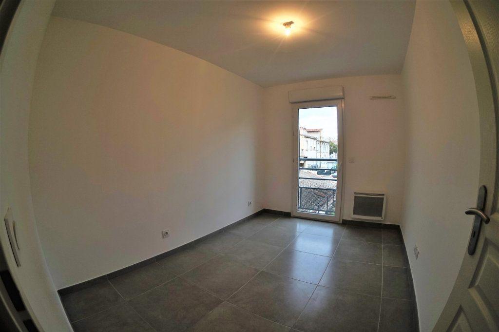 Appartement à louer 3 53.94m2 à Marseille 5 vignette-3
