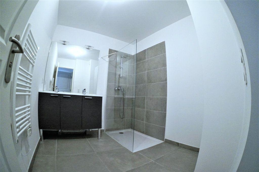 Appartement à louer 3 53.94m2 à Marseille 5 vignette-6