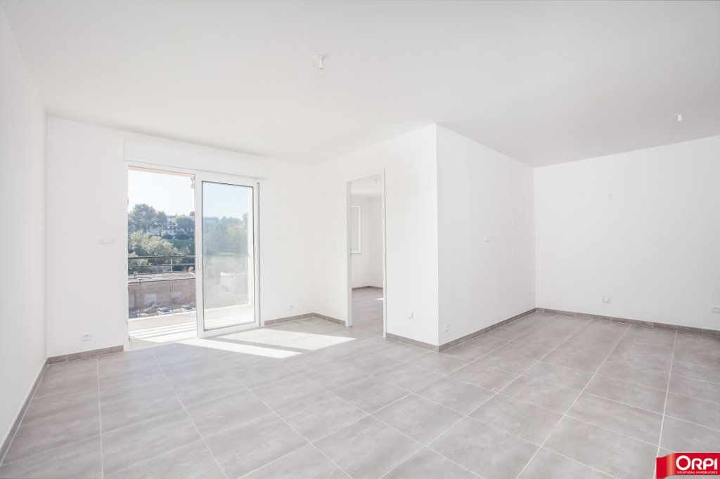 Appartement à vendre 3 62m2 à Marseille 13 vignette-1