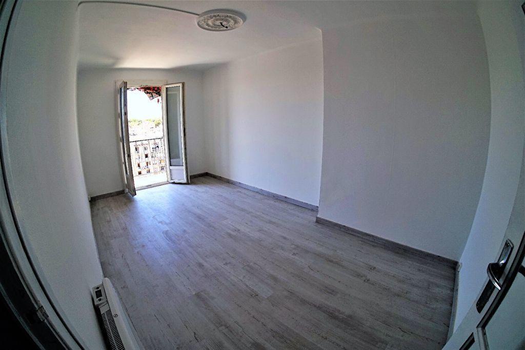 Appartement à louer 3 48m2 à Marseille 4 vignette-4