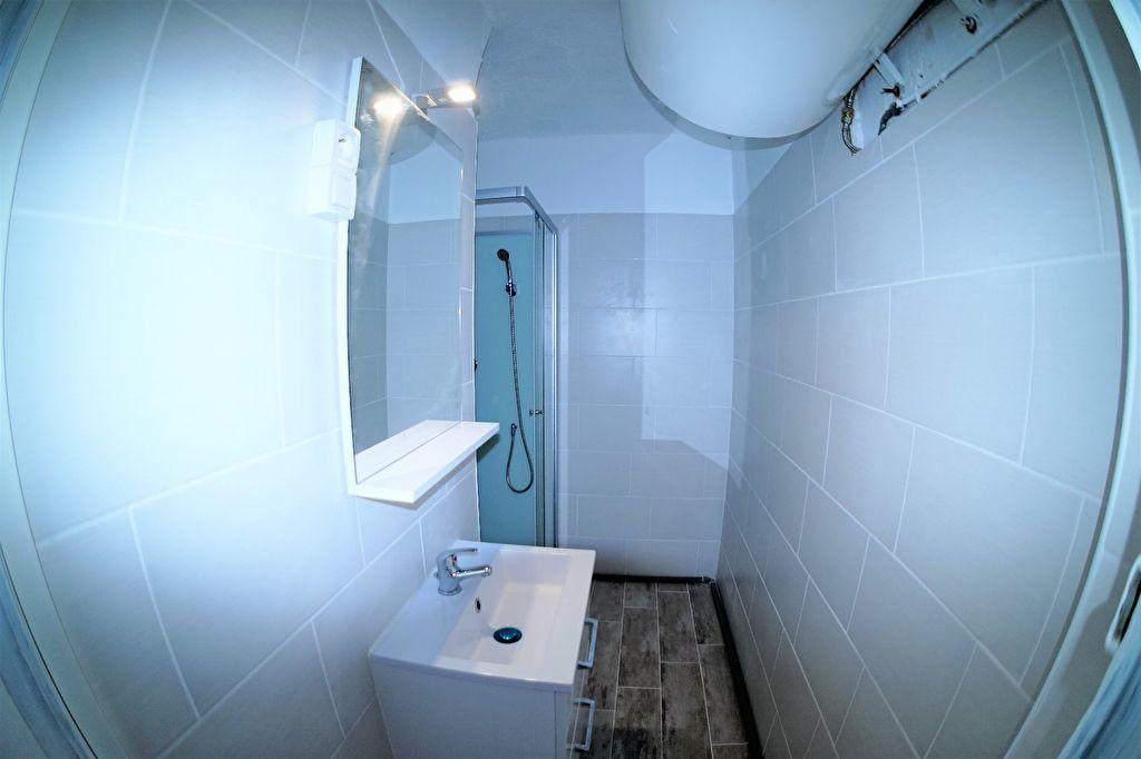 Appartement à louer 3 48m2 à Marseille 4 vignette-7