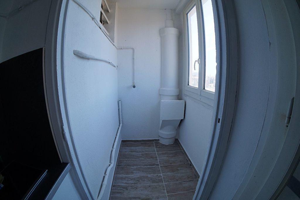 Appartement à louer 3 48m2 à Marseille 4 vignette-9