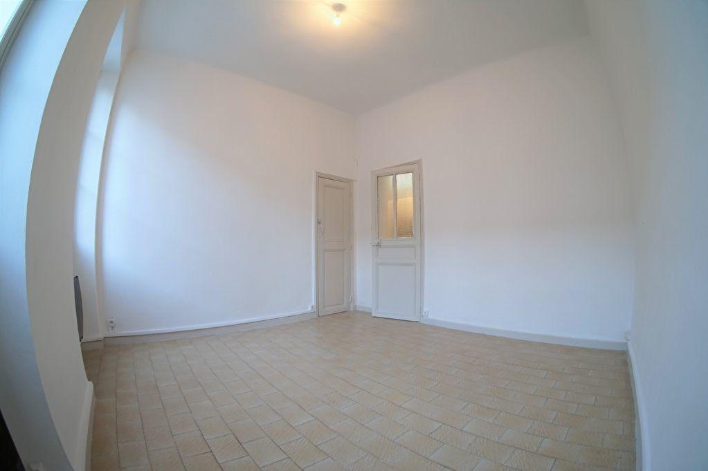 Appartement à louer 2 37m2 à Marseille 4 vignette-1