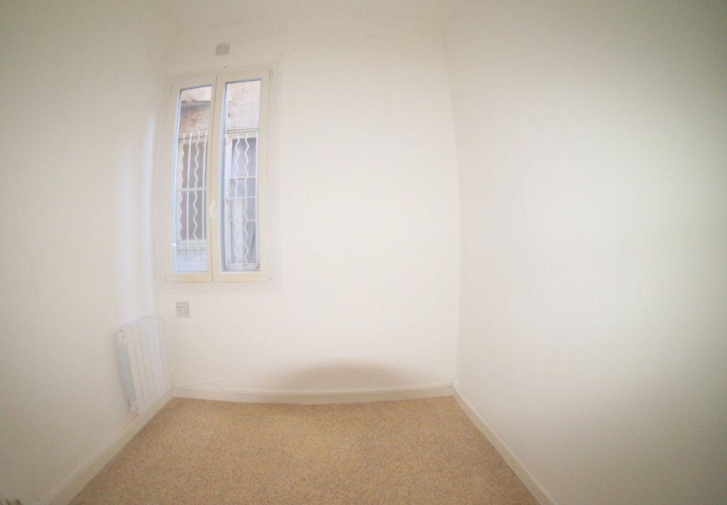 Appartement à louer 2 37m2 à Marseille 4 vignette-4
