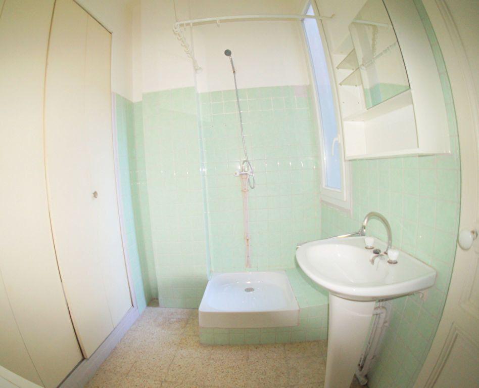 Appartement à louer 2 37m2 à Marseille 4 vignette-5