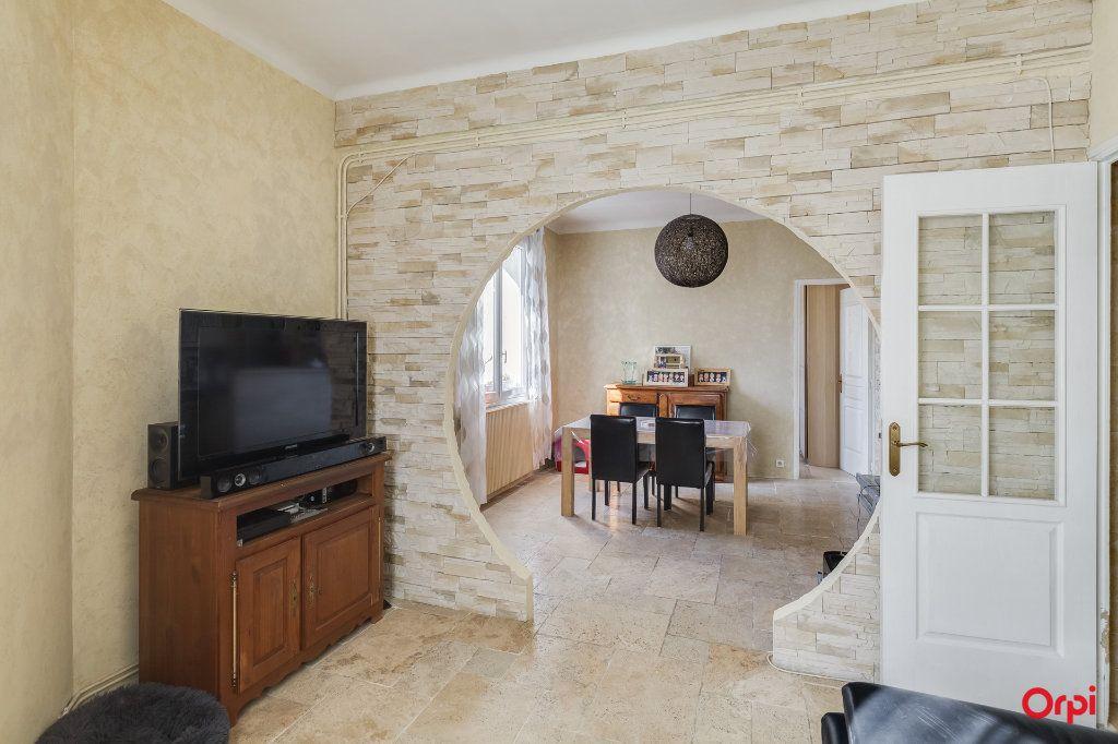 Appartement à vendre 4 82.92m2 à Marseille 3 vignette-1