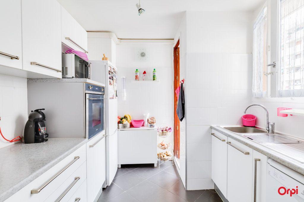 Appartement à vendre 4 85m2 à Marseille 4 vignette-2