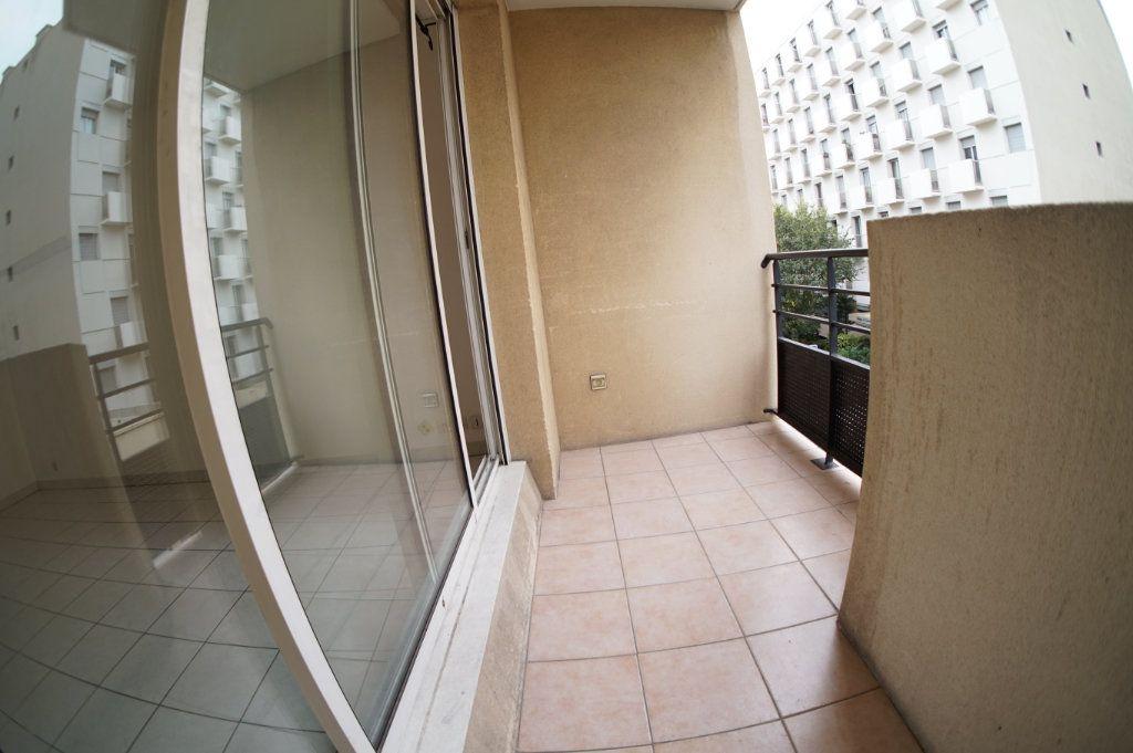 Appartement à vendre 2 38m2 à Marseille 5 vignette-3