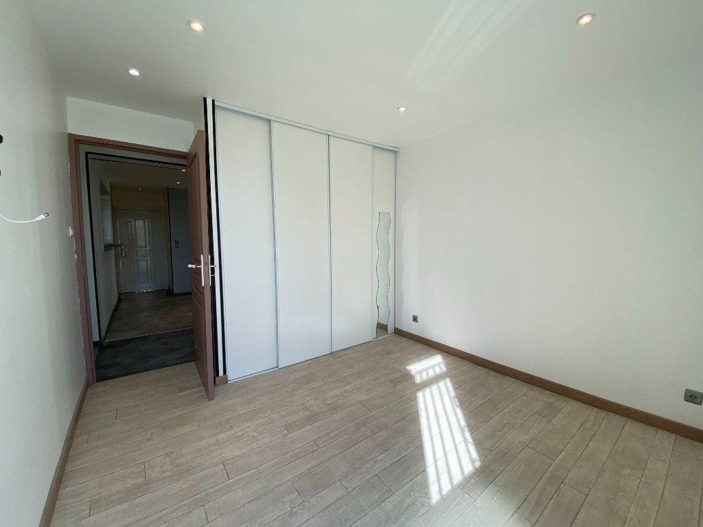 Appartement à louer 3 51.5m2 à Marseille 14 vignette-4