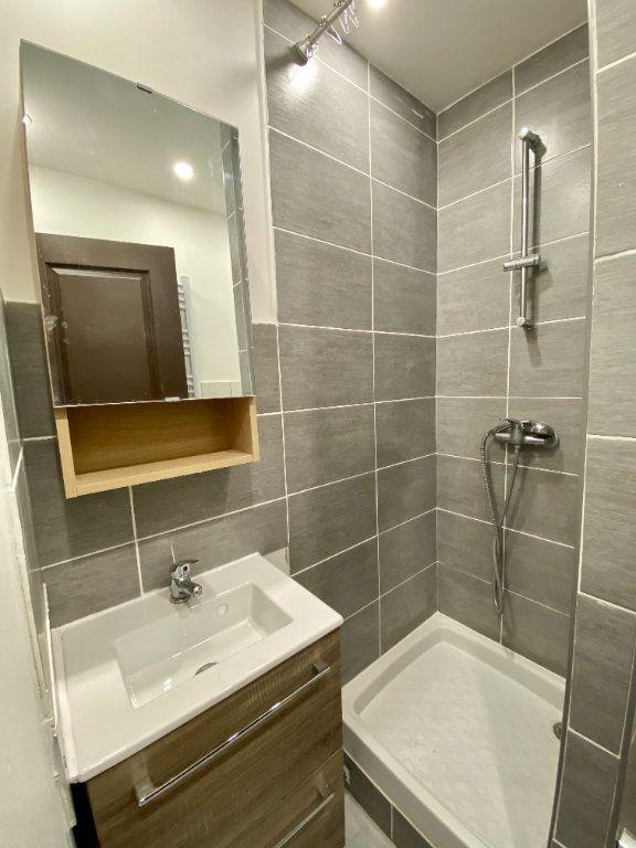 Appartement à louer 3 51.5m2 à Marseille 14 vignette-5