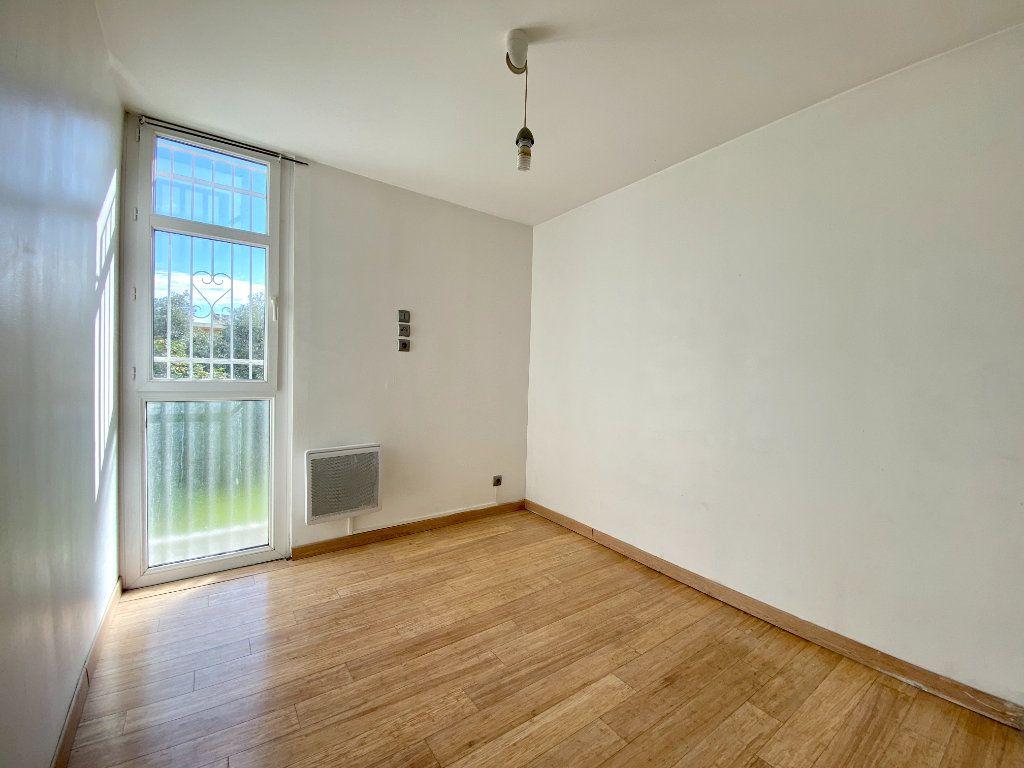 Appartement à louer 3 51.5m2 à Marseille 14 vignette-6