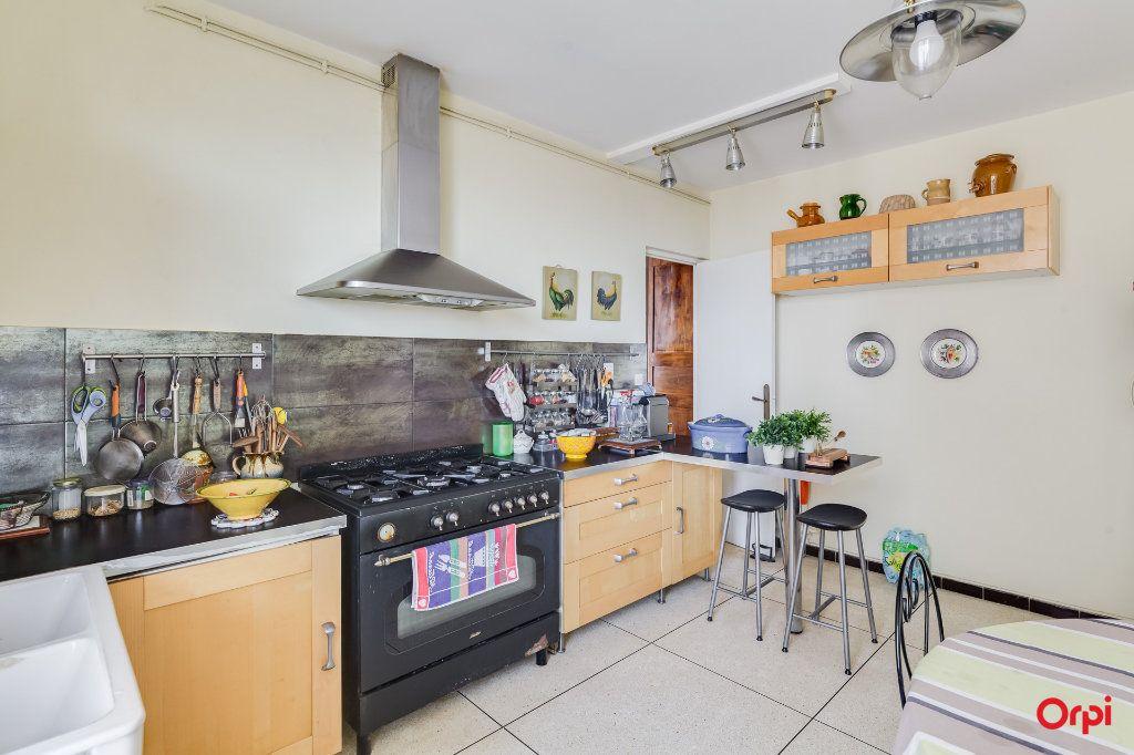 Appartement à louer 3 91m2 à Marseille 4 vignette-2