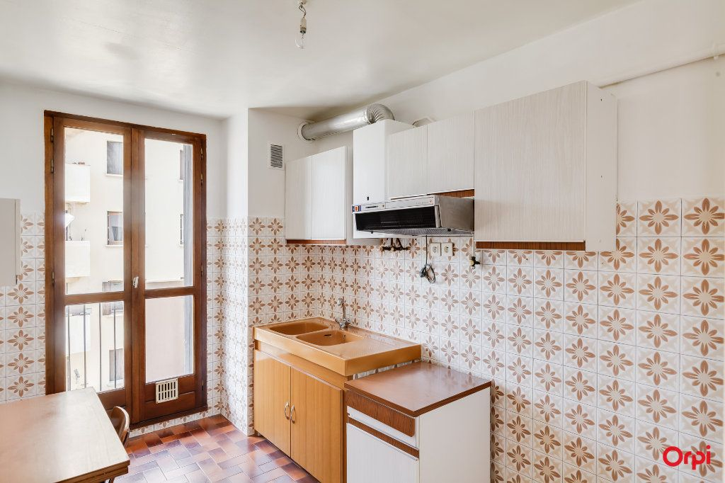 Appartement à vendre 2 67m2 à Marseille 14 vignette-3