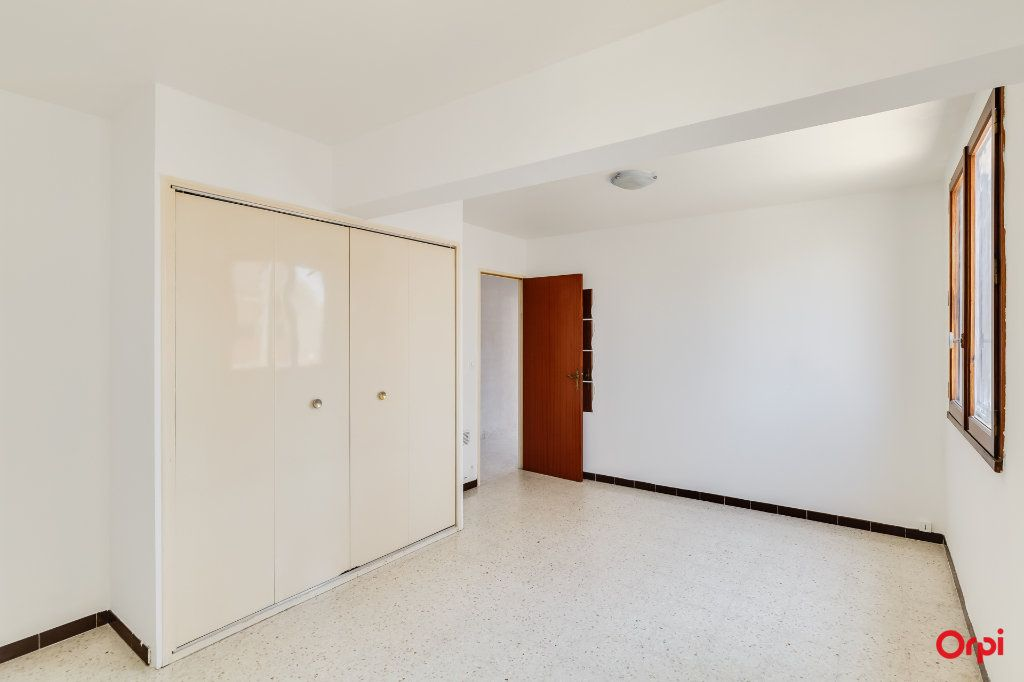 Appartement à vendre 2 67m2 à Marseille 14 vignette-4