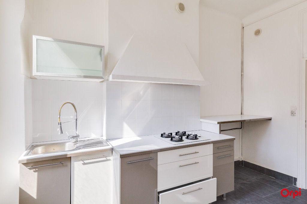 Appartement à vendre 3 71m2 à Marseille 2 vignette-3