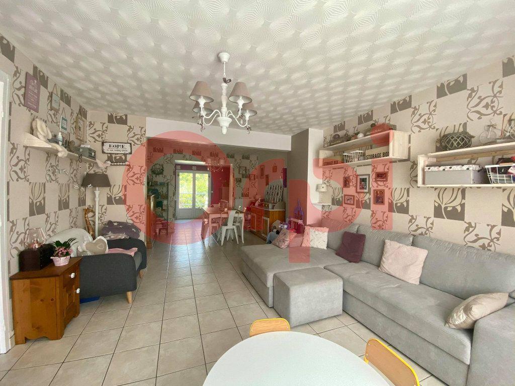 Maison à vendre 5 110m2 à Calais vignette-2