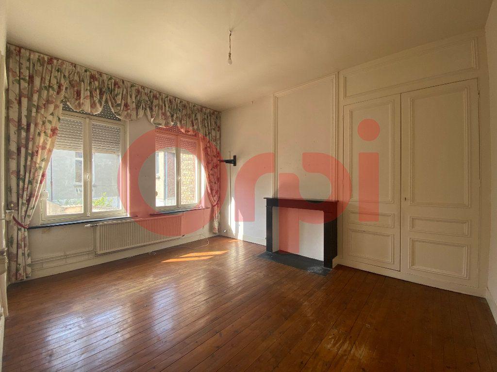 Maison à vendre 7 175m2 à Calais vignette-5