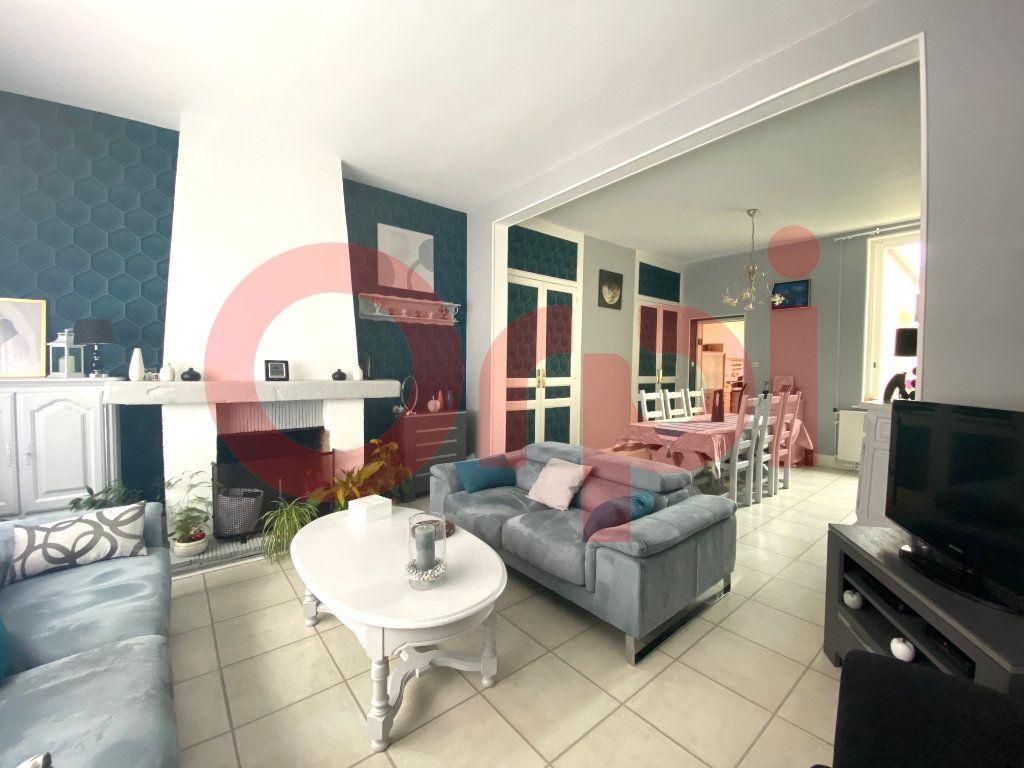 Maison à vendre 5 130m2 à Calais vignette-2
