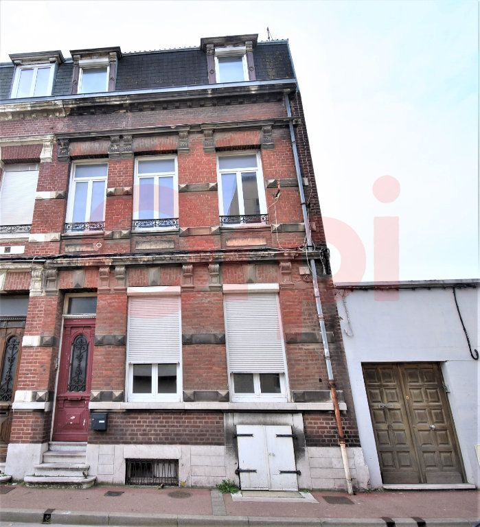 Immeuble à vendre 0 290m2 à Calais vignette-1