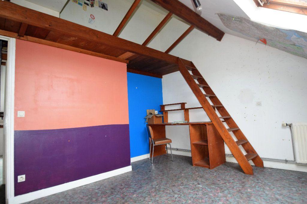 Immeuble à vendre 0 140m2 à Calais vignette-3