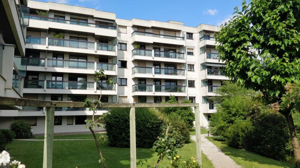 Appartement à louer 3 67m2 à Bordeaux vignette-1