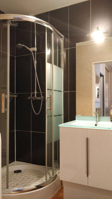 Appartement à louer 3 67m2 à Bordeaux vignette-3