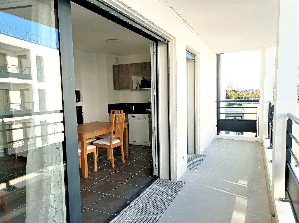 Appartement à louer 3 62m2 à Bordeaux vignette-4