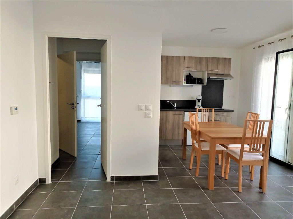 Appartement à louer 3 62m2 à Bordeaux vignette-5