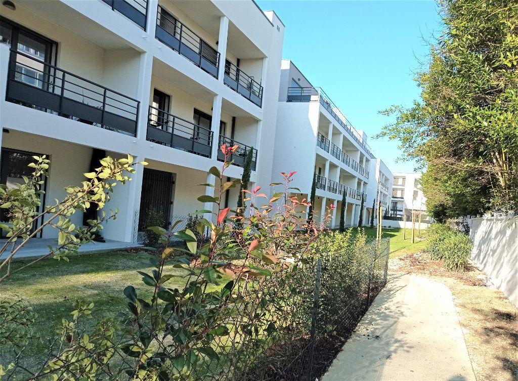 Appartement à louer 3 62m2 à Bordeaux vignette-7