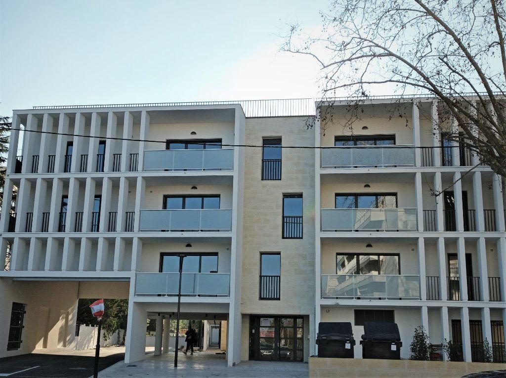 Appartement à louer 3 62m2 à Bordeaux vignette-8