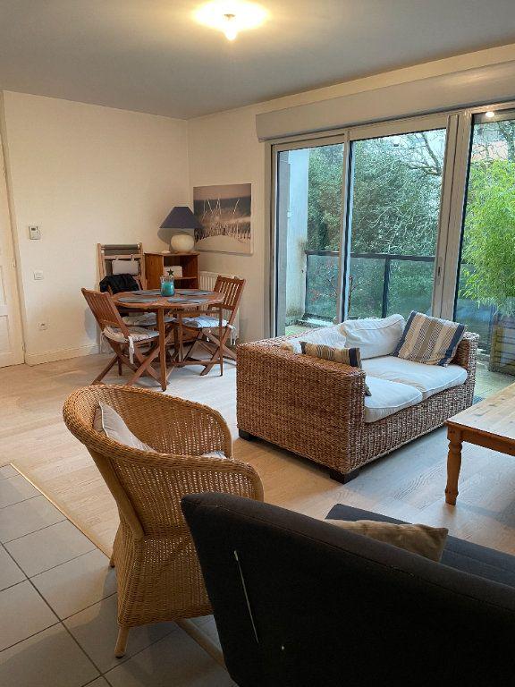 Appartement à vendre 3 70m2 à Bordeaux vignette-2