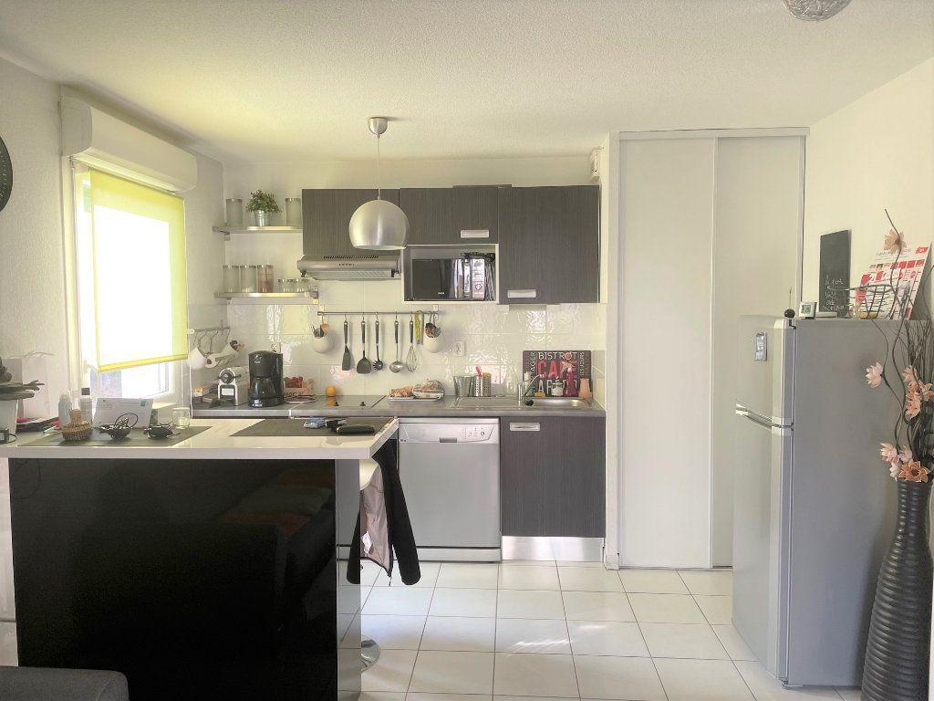 Appartement à vendre 2 45m2 à Eysines vignette-3