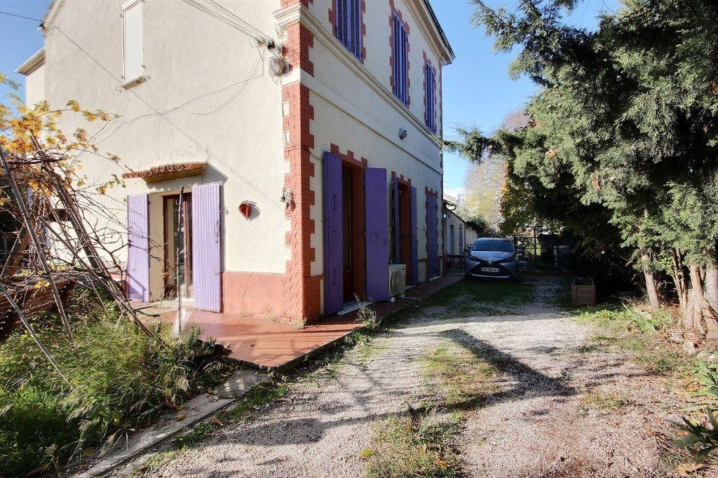 Maison à vendre 6 220m2 à Marseille 11 vignette-1