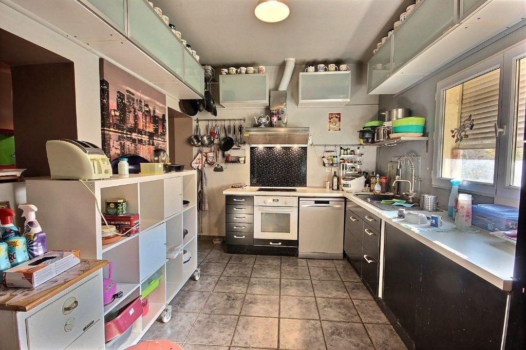 Maison à vendre 6 220m2 à Marseille 11 vignette-6