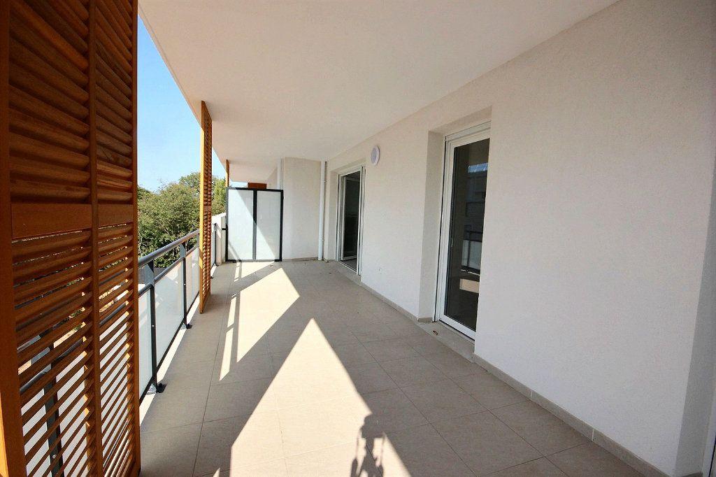 Appartement à vendre 3 63m2 à Marseille 12 vignette-1