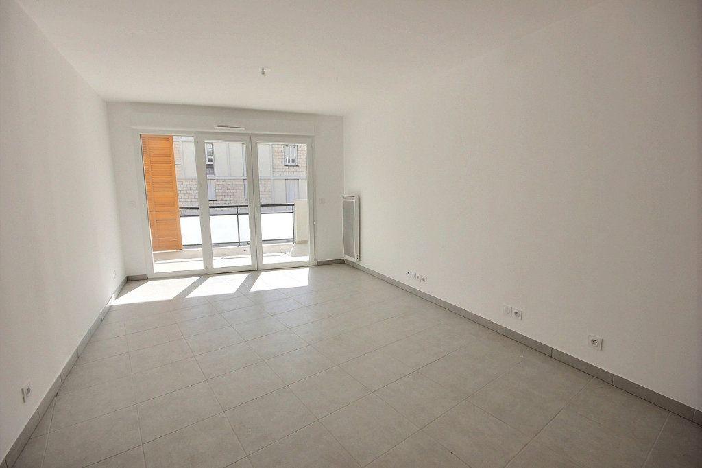 Appartement à vendre 3 63m2 à Marseille 12 vignette-2