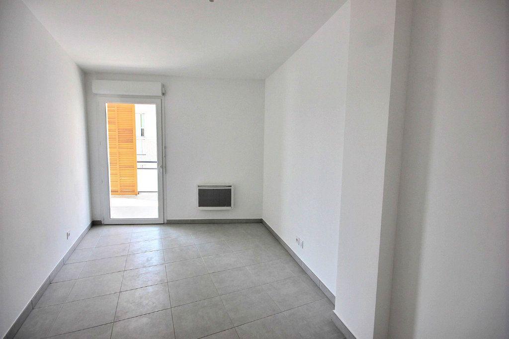Appartement à vendre 3 63m2 à Marseille 12 vignette-4