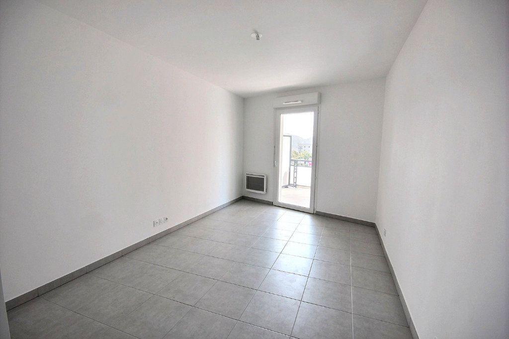 Appartement à vendre 3 63m2 à Marseille 12 vignette-5