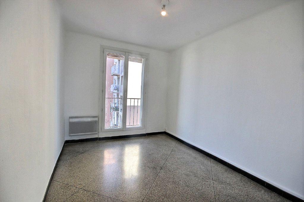 Appartement à vendre 4 62m2 à Marseille 10 vignette-3