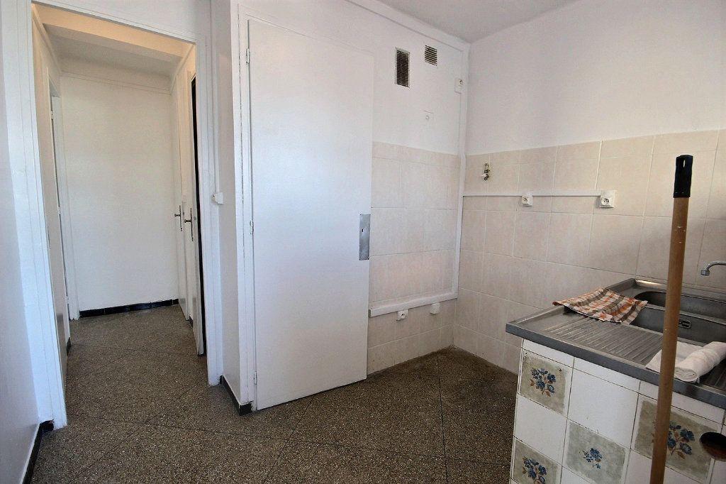 Appartement à vendre 4 62m2 à Marseille 10 vignette-6