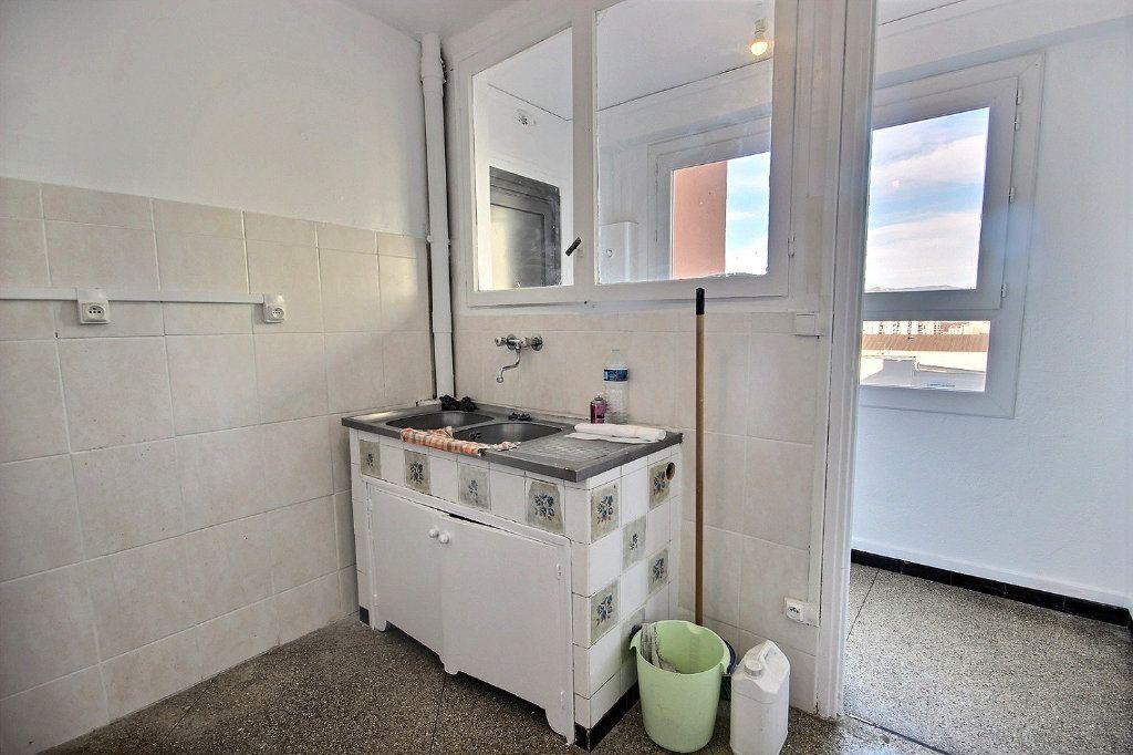 Appartement à vendre 4 62m2 à Marseille 10 vignette-7