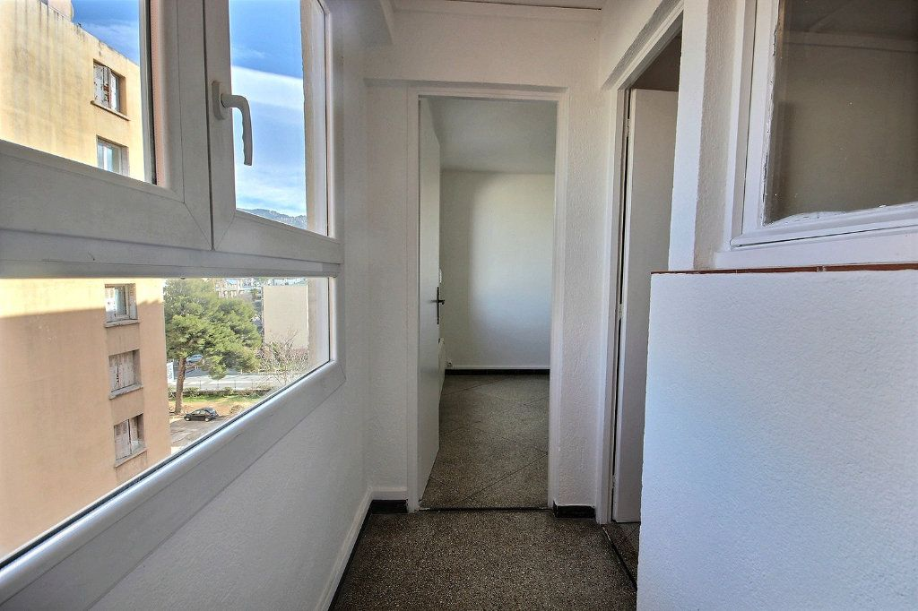 Appartement à vendre 4 62m2 à Marseille 10 vignette-8