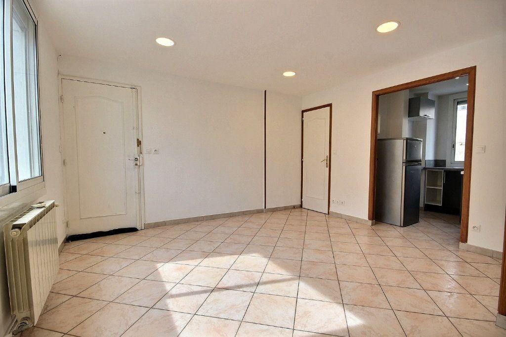 Appartement à louer 2 40.96m2 à Marseille 4 vignette-1