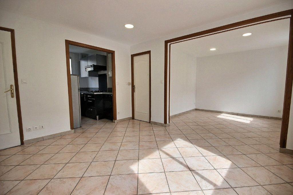 Appartement à louer 2 40.96m2 à Marseille 4 vignette-6