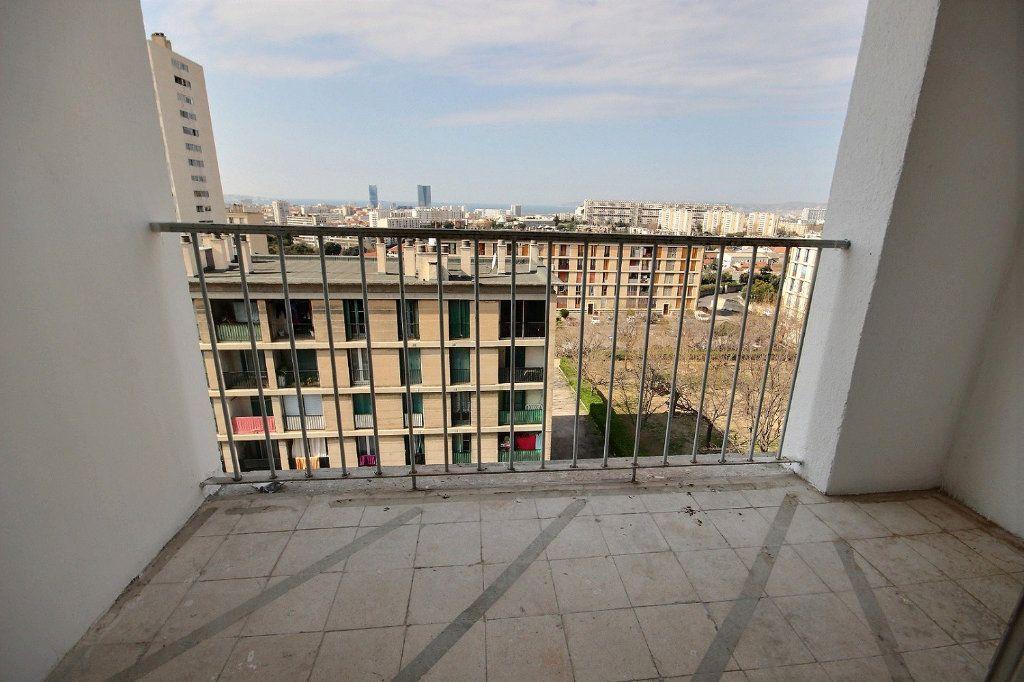 Appartement à louer 3 54.83m2 à Marseille 14 vignette-1