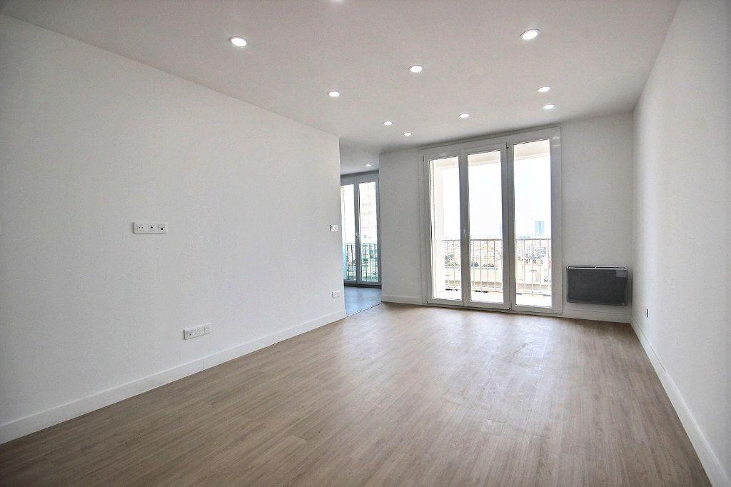 Appartement à louer 3 54.83m2 à Marseille 14 vignette-2