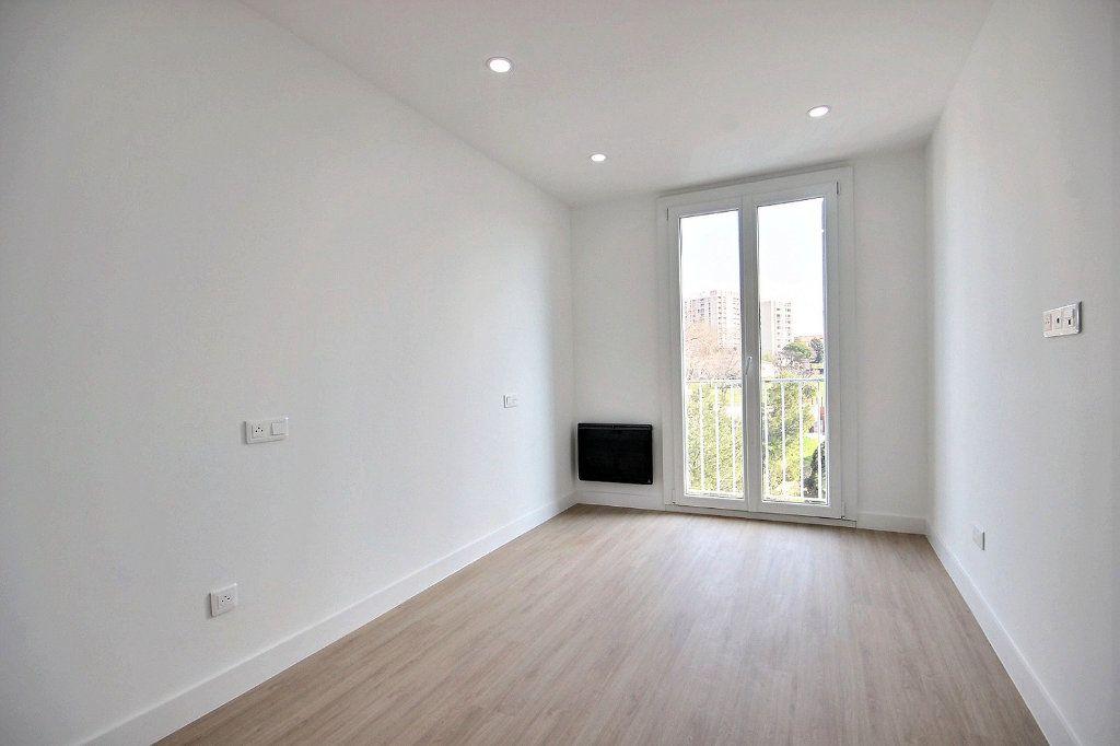 Appartement à louer 3 54.83m2 à Marseille 14 vignette-6